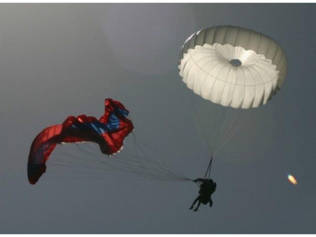 tandem parashute